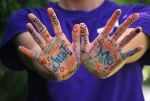 colorful-fingers-hands-52986